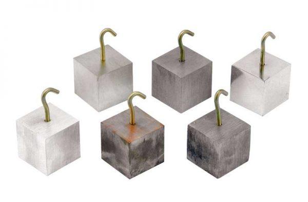 1370 Cubos de idéntico volumen